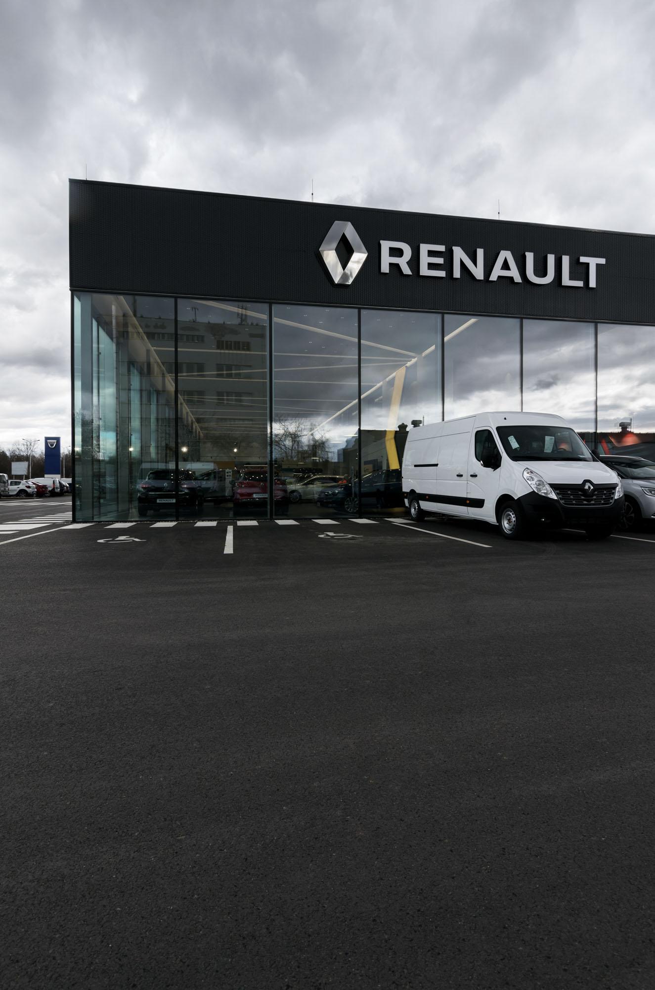 Obsidian Glass Renault Tukas – Fotograf Jiří Alexander Bednář